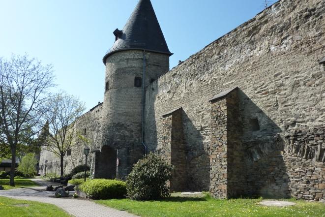 Andernach_Stadtmauer_TurmamStadtgraben647